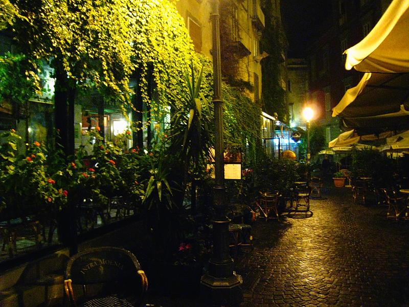Terrazas de los cafés literarios de Piazza Bellini