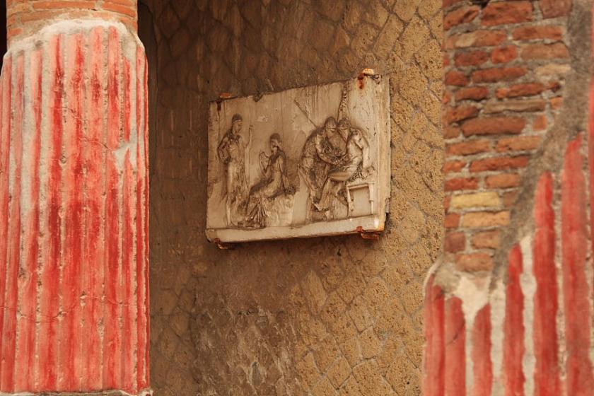 Un rincón entre las ruinas de Herculano