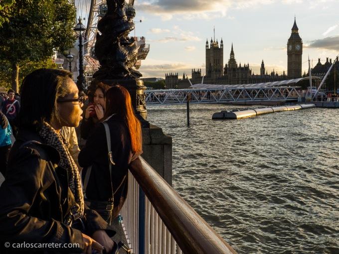 El último viaje al extranjero del año es en octubre. A Londres principalmente, a relajarse paseando, viendo fotos y entrando en tiendas.