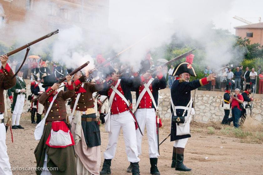 """Es cierto que me parecieron mucho más divertidos a la vez que organizados las tropas """"gabachas"""", que incluían féminas entre sus líneas."""