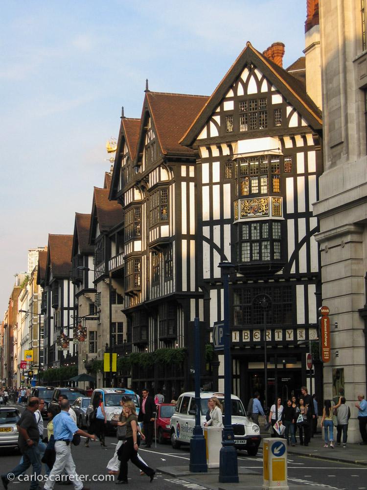Los almacenes Liberty de Londres, Reino Unido, en septiembre de 2004.