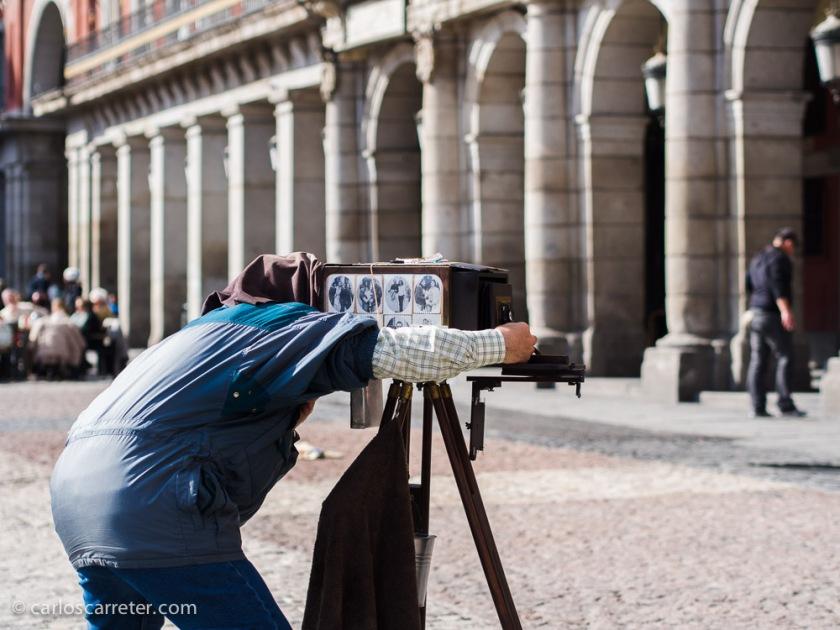 También hemos encontrado un fotógrafo minutero en plana acción... aunque no nos hemos quedado a contemplar el resultado.