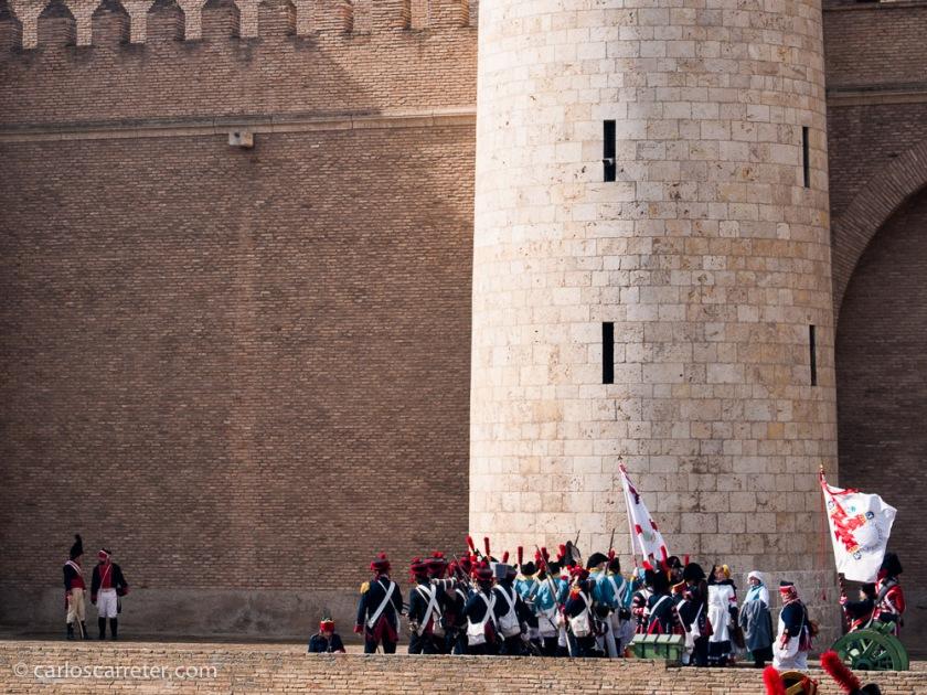 """Hablando de cosas de aquella época, este fin de semana se ha """"recreado"""" el final de los sitios de Zaragoza, durante las guerras napoleónicas."""