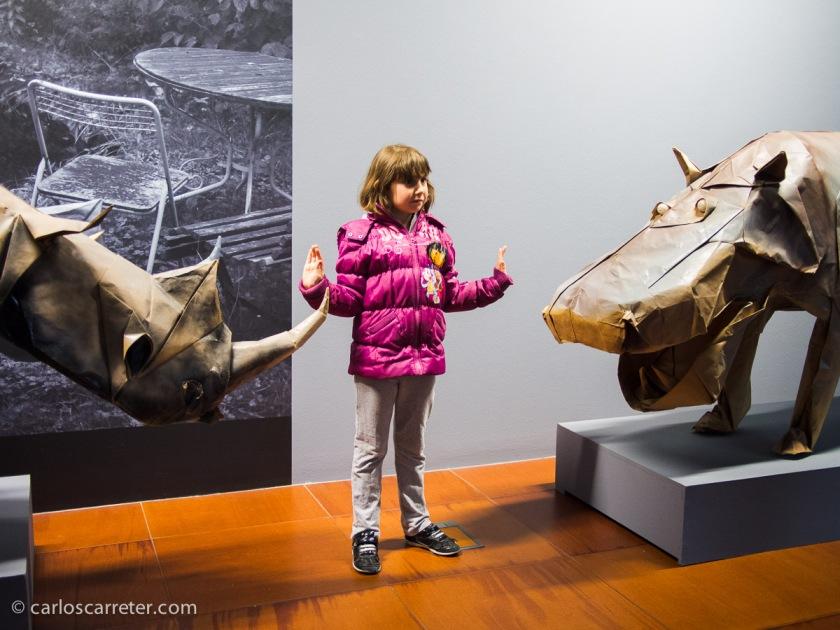 Por supuesto, los niños se lo pueden pasar muy bien con algunas de las esculturas.