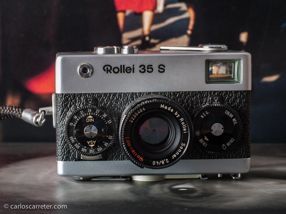 Cámara Rollei 35S, con su objetivo Sonnar 40/2,8.