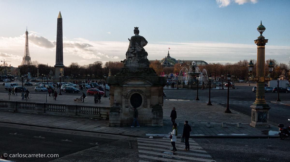 Funny Face (Una cara con ángel) se rodó en París en parte, así que nos vamos a la capital francesa, a la place de la Concorde.