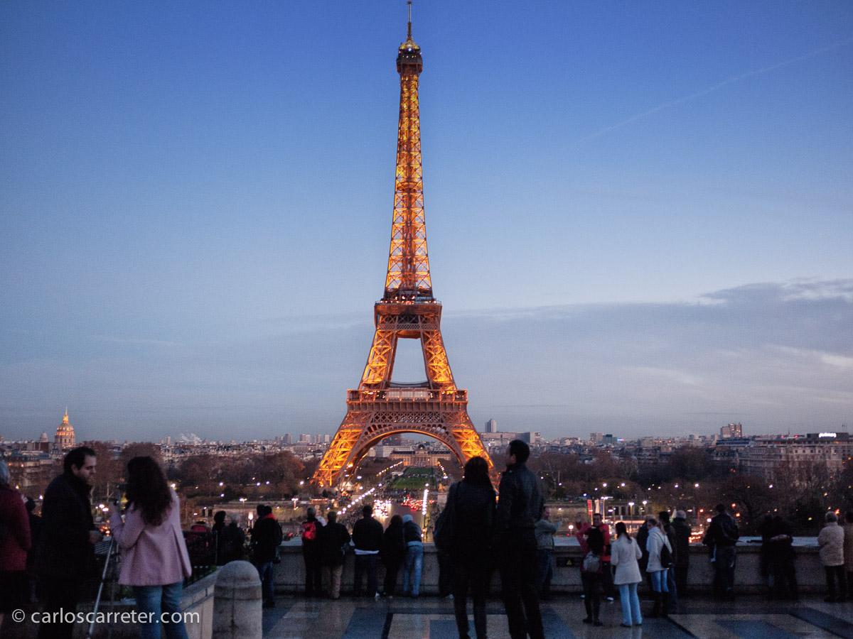Y como toda película americana que se precie, la torre Eiffel se ve desde todas partes, así que también desde esta entrada.
