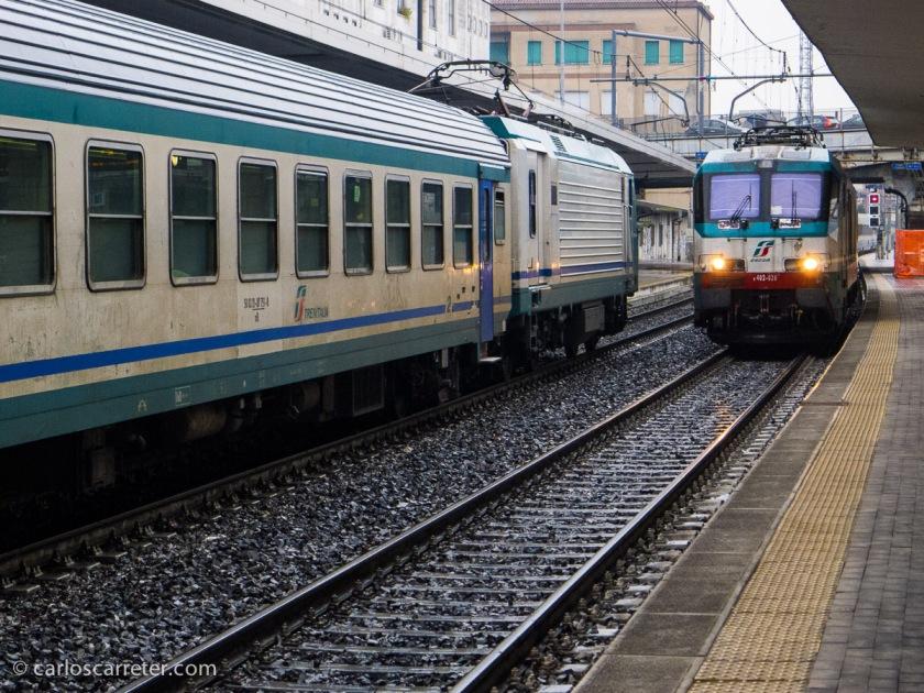 En la estación de Padua, esperando a nuestro tren a Vicenza, contemplamos el ir y venir de algunos trenes regionales.