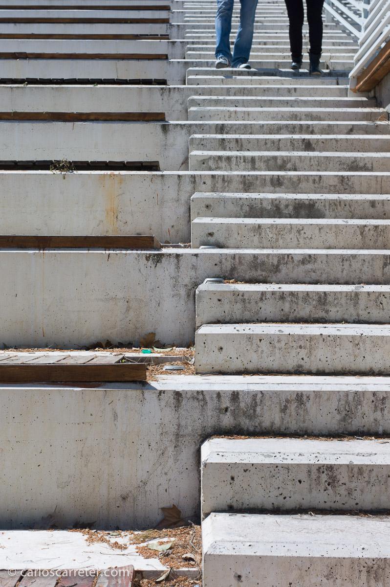 A f/11, la nitidez del pequeño Elmar de hace más de 60 años es más que razonable. Escalinata del Club Náutico, Zaragoza.