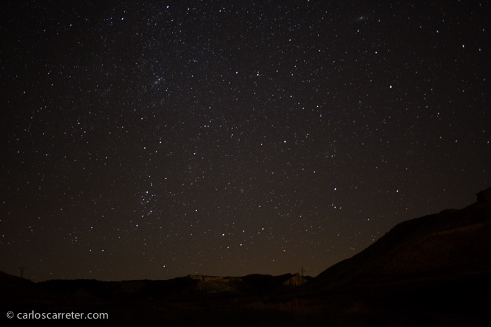 Fotografía tomada con una exposición de 3 minutos con una focal de 24 mm, apuntando hacia Perseus.