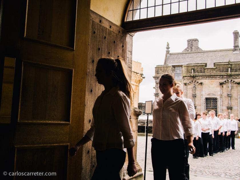 También escuchando un estupendo coro de adolescentes en el castillo de Stirling.