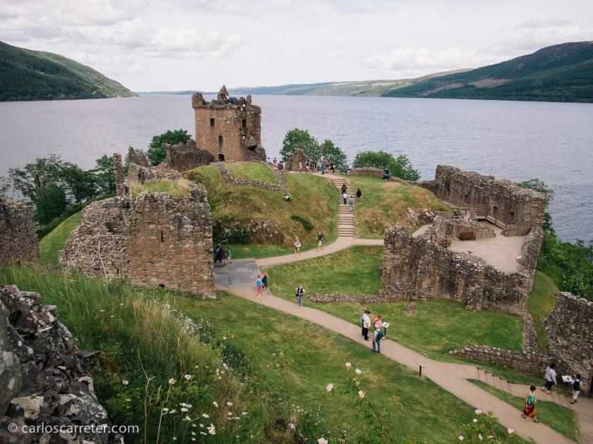 ... o el de Urquhart, a orillas del Lago Ness, cerca de Inverness.