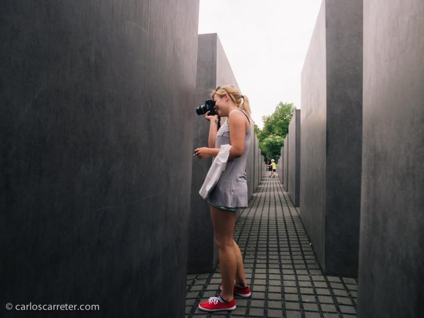 Y visitando algunos de los monumentos modernos berlineses más característicos como el memorial del Holocausto.