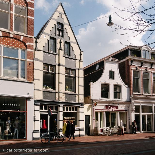 O a pasear por las coquetas calles de Haarlem.