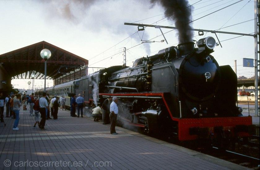"""León es la ciudad en la que transcurren la mayor parte de las """"aventuras"""" de este """"principito"""" moderno; lugar en la que estuve hace ya catorce años, admirando un fenomenal locomotora de vapor, de las de antaño."""