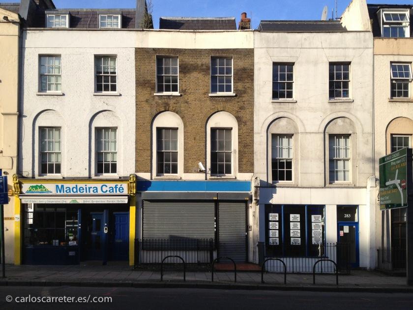 Hoy nos pasearemos por los barrios de Londres que más nos recuerden al de los años 70. Como en los alrededores de King's Cross.