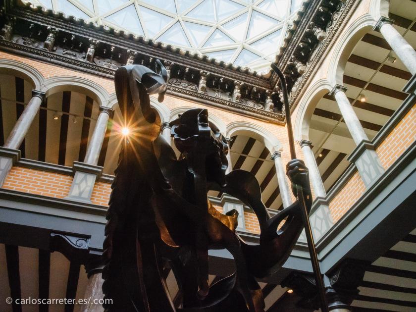 Ayer, día festivo en Zaragoza, día de San Valero, nos acercamos al museo Pablo Gargallo en la jornada de puertas abiertas. Es decir, no hay que pagar entrada.