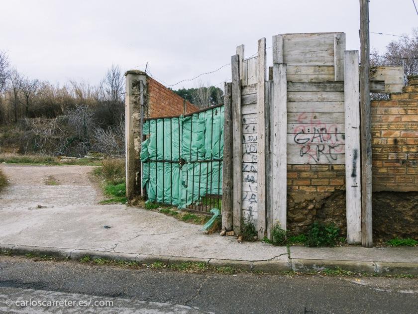 Me ha dado más bien por el paisaje suburbial, por esa transición entre la ciudad y la maltratada naturaleza.