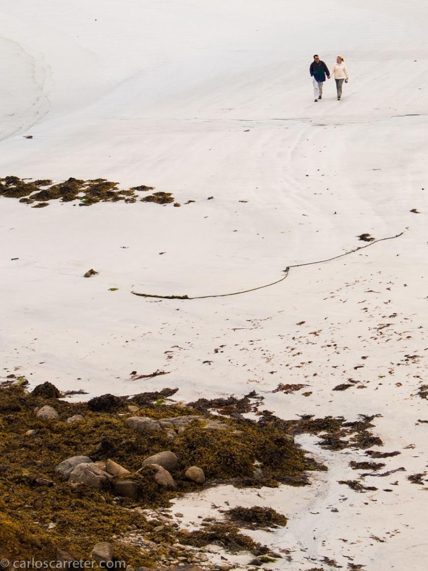La cita final, en el domingo fatídico, es en la playa. Allí se resolverá el destino del padre James y del ultrajado hombre que lo amenaza. No esta en el sur de Connemara... pero no muy distinta.
