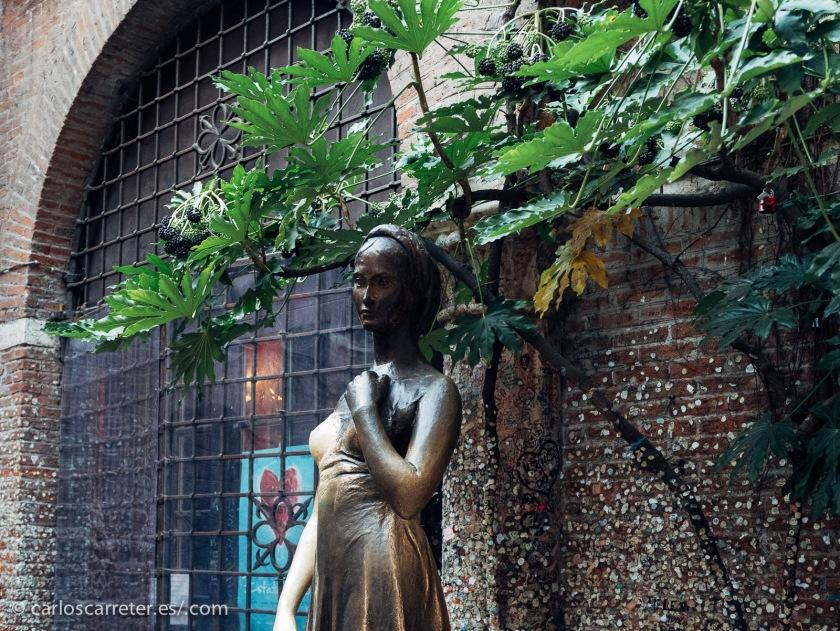 """En la reducción de tiempo de series televisivas influye también mi deseo de recuperar películas de antaño. Por ejemplo, esta semana, tras la estancia en Verona, he recuperado """"Romeo y Julieta"""" de Franco Zeffirelli."""