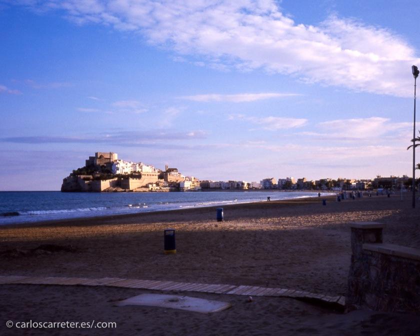 Las costas mediterráneas españolas están destrozadas por la especulación y el turismo descontrolado y de baratillo.