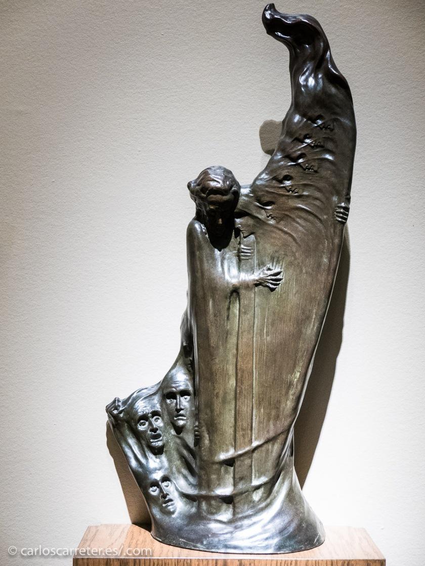Los aspectos trágicos de los personajes de Juego de Tronos me recuerdan con frecuencia las actitudes de las esculturas en los museos.