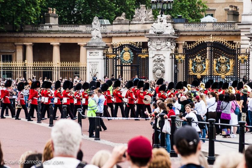 """El Londres de la película es el """"Swinging London"""" de los años sesenta, con su música y su moda, que se nota en algunos atuendos de la mala..."""