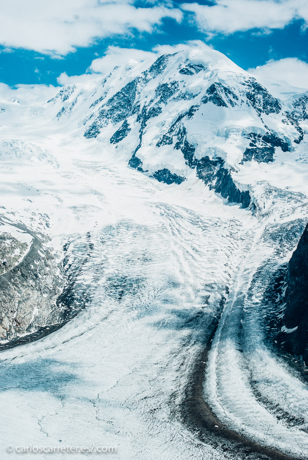 Para ilustrar la entrada de hoy, nos iremos también a los Alpes suizos, también en la frontera con Italia.