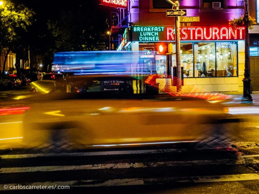 De acuerdo al ambiente de la película, hoy nos sumergiremos en el tráfico de Nueva York, con sus taxis amarillos,...