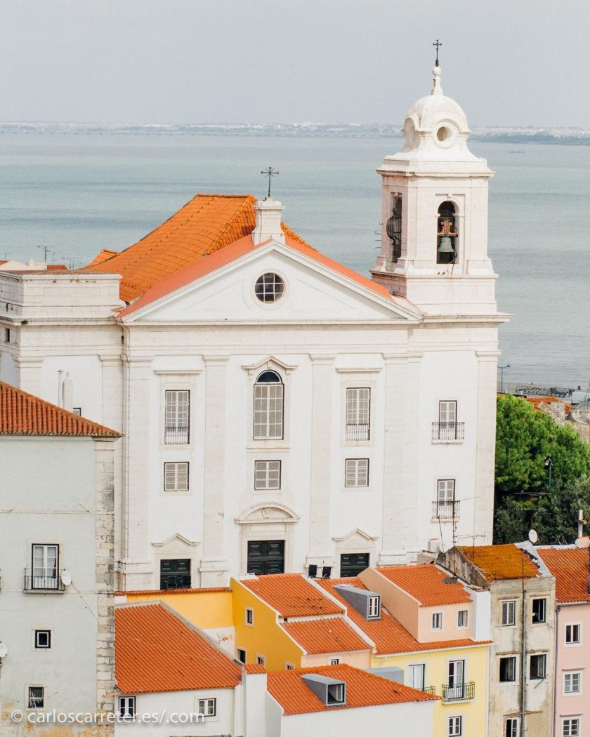 No tengo fotografías propias de Brasil, y menos de Saō Paulo; así que puestos a buscar algún lugar lusófono que mejor que Lisboa.