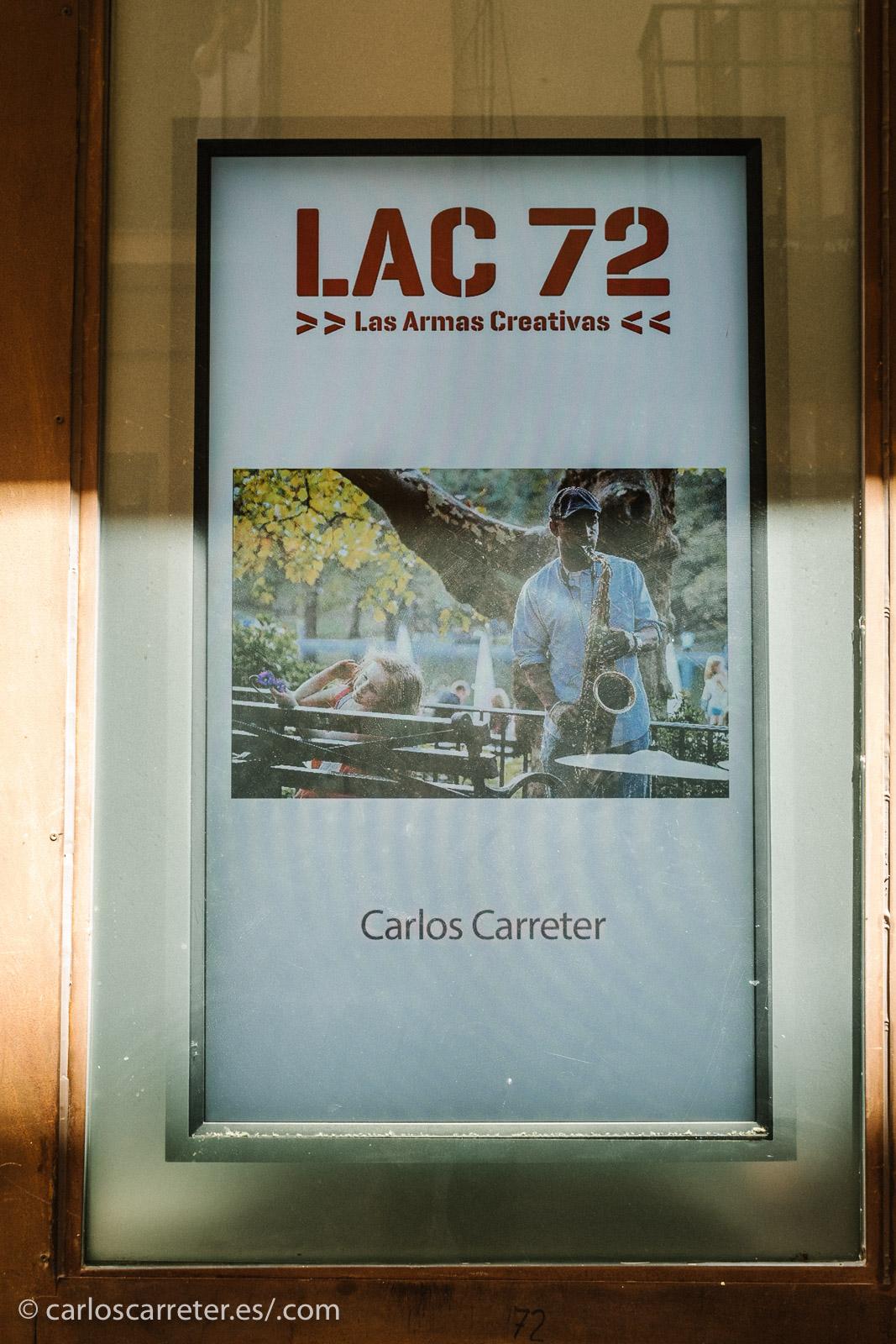 Y así fue. Pero en LAC 72 siguen pasando de forma ininterrumpida las fotografías de las exposiciones del II Encuentro de Fotógrafos de Aragón... y allí nos quedamos mirando como bobos hasta que pasaron todas.