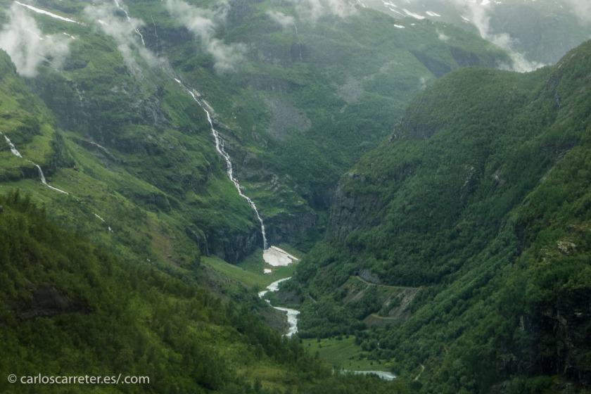 En la primera temporada de Twin Peaks hay un cierto cachondeo a propósito de un grupo de inversores noruegos, así que nos iremos fotográficamente al país nórdico.