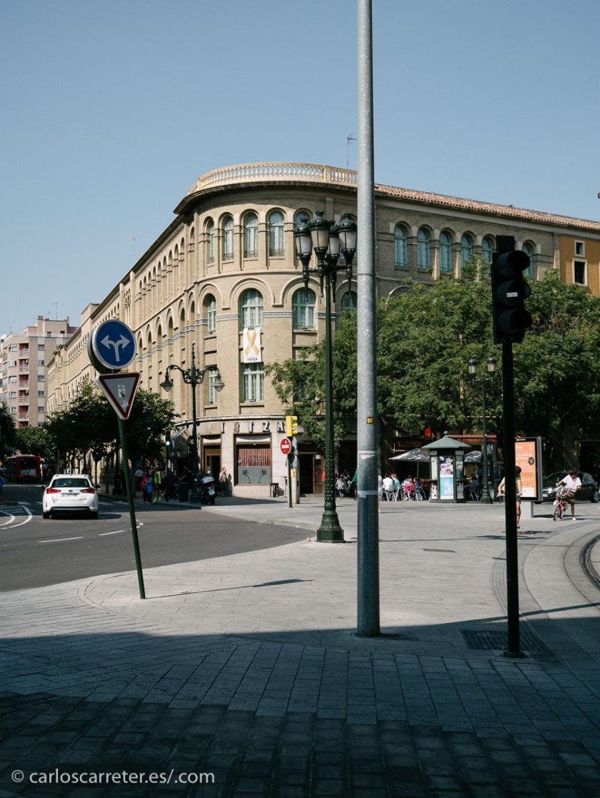 Sanz Briz fue de Zaragoza y estudió en los escolapios de Conde de Aranda.
