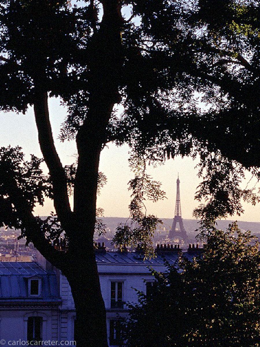 ... o desde Pigalle o la place Clichy subiremos a Montmartre para elevarnos por encima del mercadeo de sexo de las faldas de esta colina parisina.
