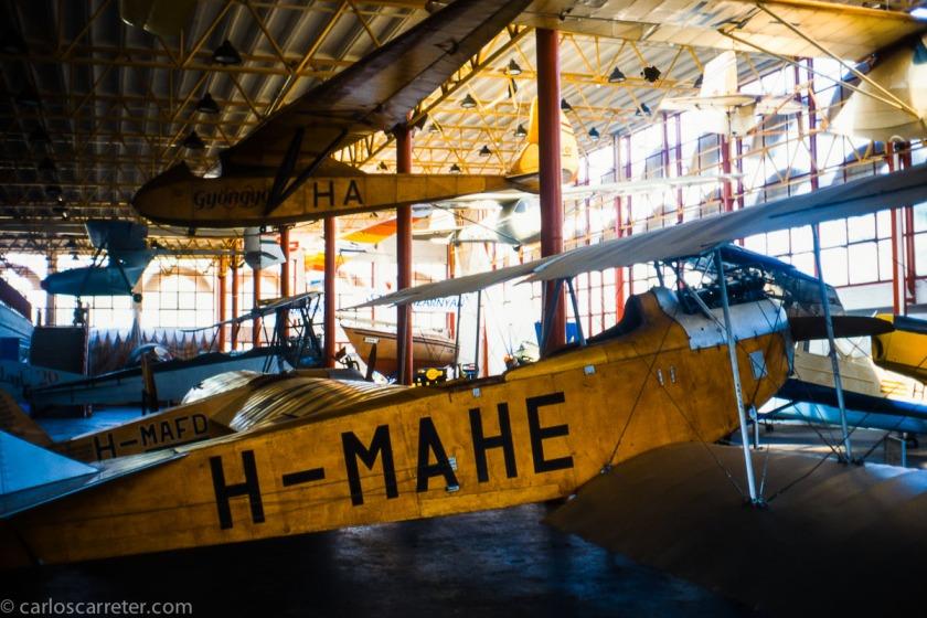 Dedicaremos las fotos de hoy a la aviación. Si en el encabezamiento tenemos una vista del aeropuerto de Budapest a mi llegada en 2010, aquí tenemos el museo del transporte de la capital húngara en 1997.