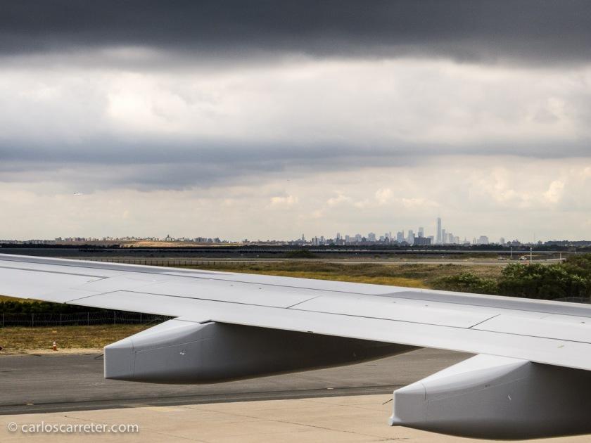 Para finalizar, el aterrizaje en septiembre de 2013 en el aeropuerto JFK de Nueva York, con el perfil de Manhattan en el horizonte.