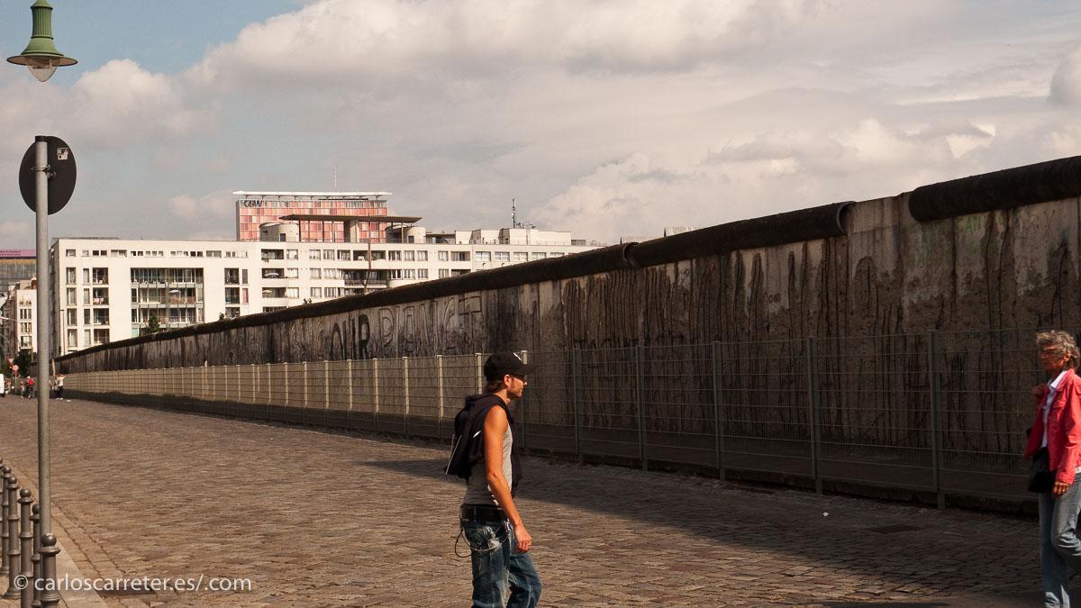 Lienzo del muro de Berlín en la Niederkirchnerstrasse.