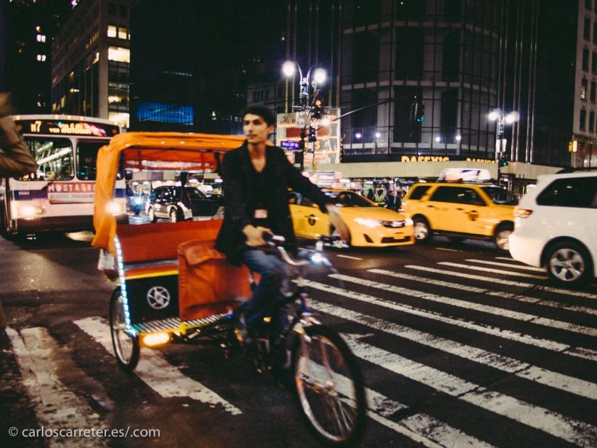 La noche neoyorquina que tantas oportunidades ofrece a los arcos argumentales de las series de televisión.