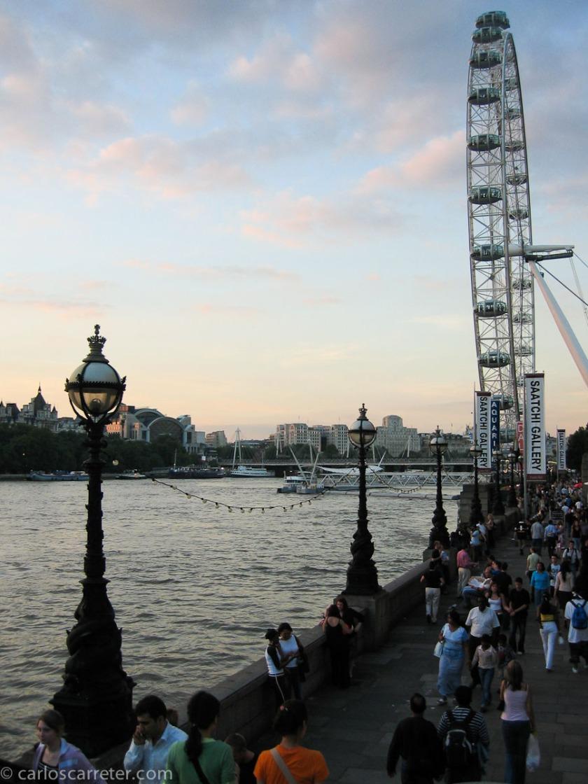 Nos pasearemos, con la jueza Maye, por las orillas del Támesis en el Londres actual.