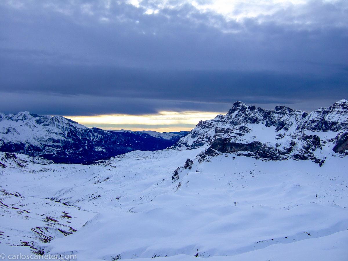 Paisajes nevados, para ilustrar una película gélida ambiental y conceptualmente.