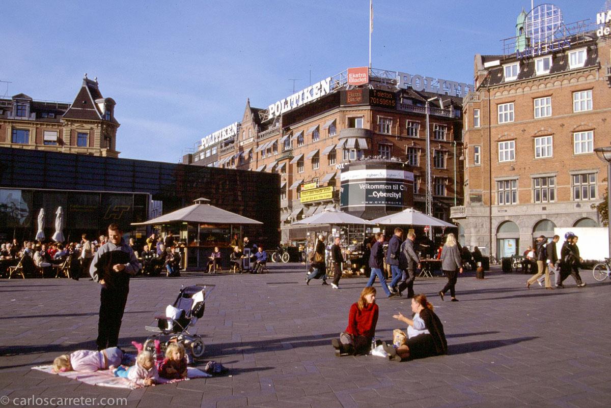 Plaza del ayuntamiento de Copenhague, país con un alto nivel de movilidad social.