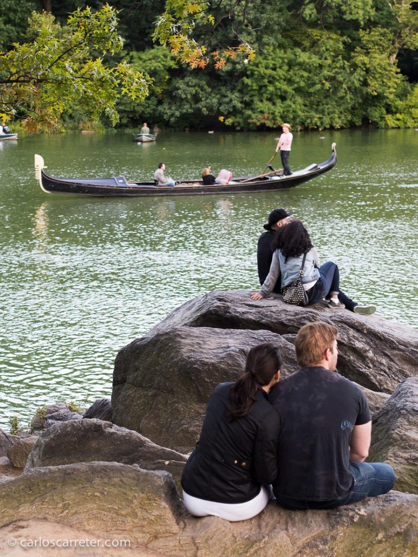 """Pero """"Mozart in the Jungle"""" es una de esas series en las que las calles, los parques y el ambiente social y cultural de la Gran Manzana son unos personajes más de la serie."""