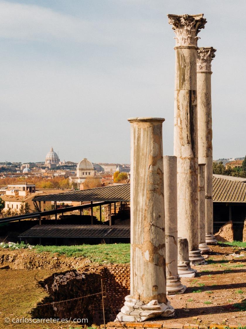 En la películas italianas, Roma no siempre es reconocible... no aparecen los monumentos típicos.