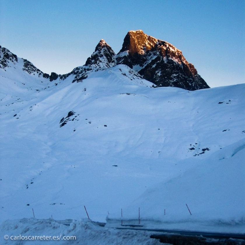 A falta de fotografías de las Rocosas, nos conformaremos con los Pirineos.