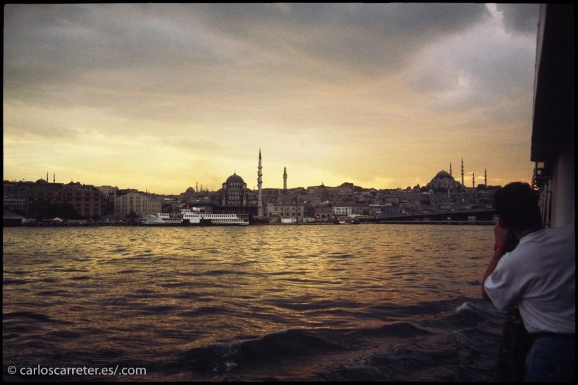 Una ciudad que puede ser muy bella, cruce de culturas constante, capital de un imperio durante siglos.