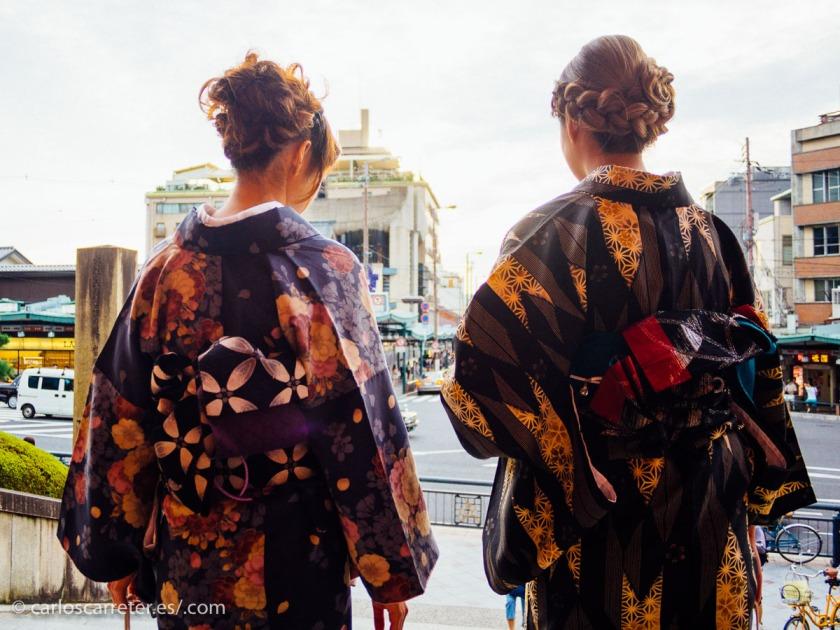 No he estado todavía en China,... pero por dar un ambiente oriental, os traigo algunas imágenes tomadas en Kioto, Japón.