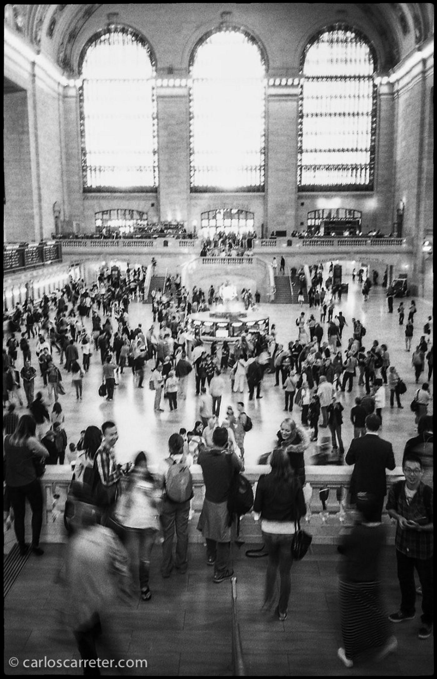 """Como hice cuando comenté la película """"Carol"""", me voy fotográficamente a Nueva York... que aparece bastante menos en el libro, por el mayor espacio dedicado al viaje por los Estados Unidos. Gran Central Terminal."""