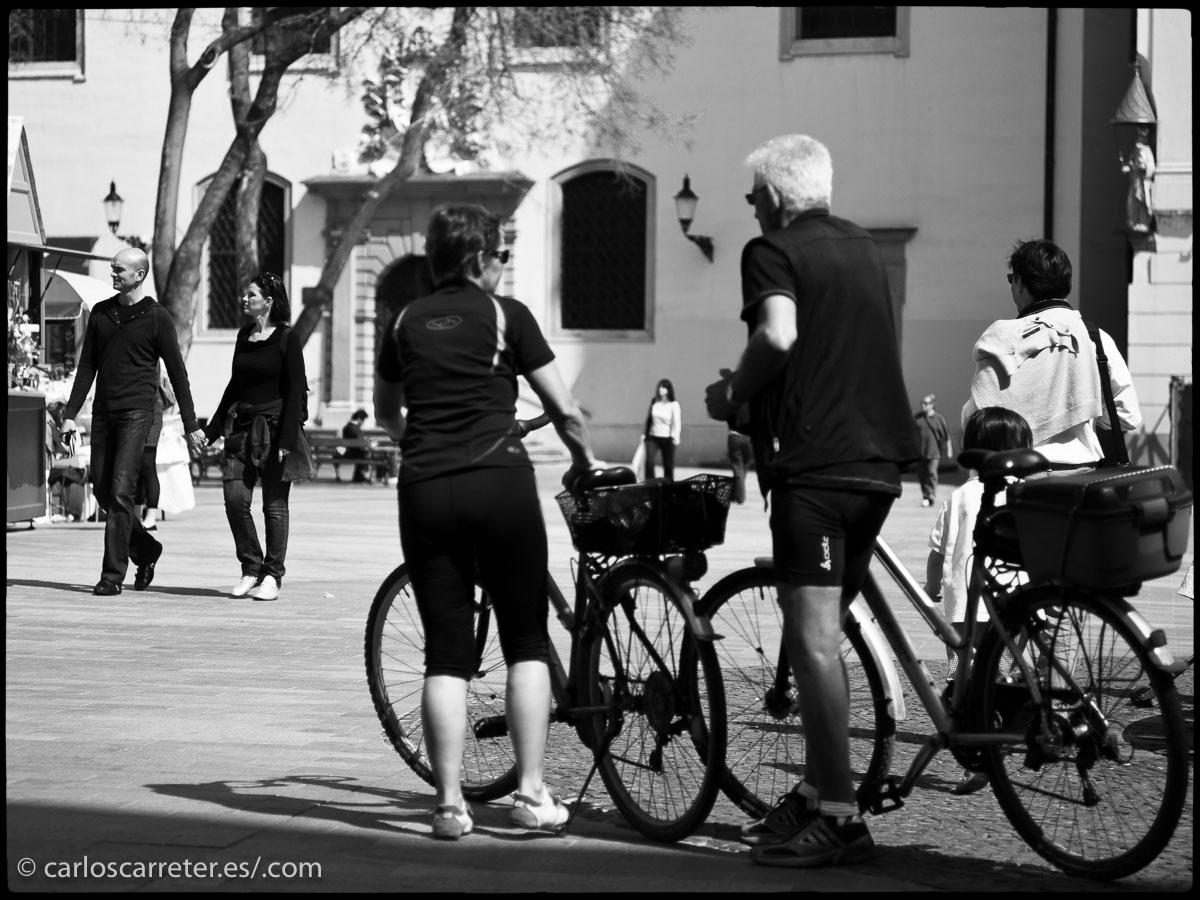 Esta dos semanas atrás he estado reorganizando mi fototeca digital. Por ejemplo, los viajes del año 2009, donde estuve en Suiza (en el encabezado), o visitando Bratislava, la capital de Eslovaquia.