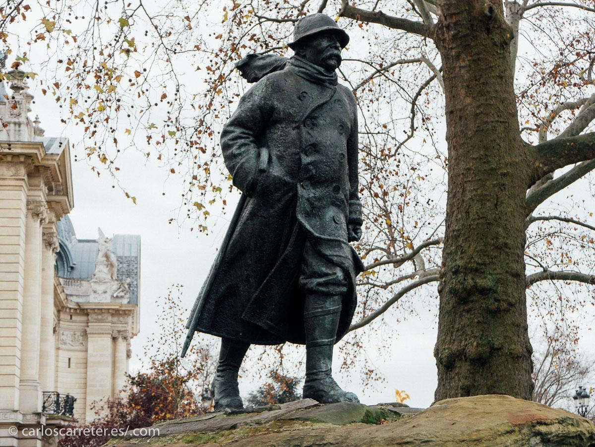 """La acción nos transporta al París de 1920,  recién terminada la Gran Guerra y adentrándonos en les """"Annèes Folles"""" o los """"Felices años 20"""" ."""