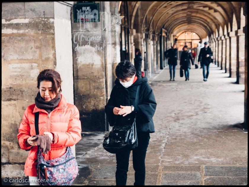 Pero con los cambios que ha experimentado la sociedad china, cada vez hay más nacionales del gigante asiático viajando por el mundo. Hoy la apuesta sería por las clases privilegiadas de la etnia han. Todavía hay mayoría de pobres en China, país con enormes desigualdades; pero son tantos, que un pequeño porcentaje de ellos viajando, cunden... un montón.